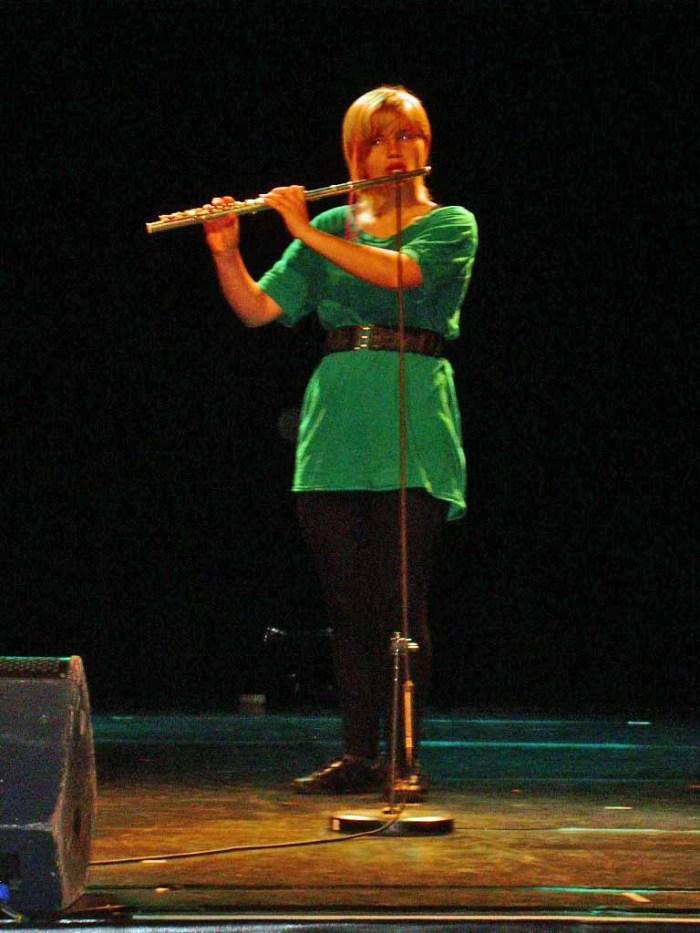 Frida fremfører Syrinx under festspillene i Bergen 2009