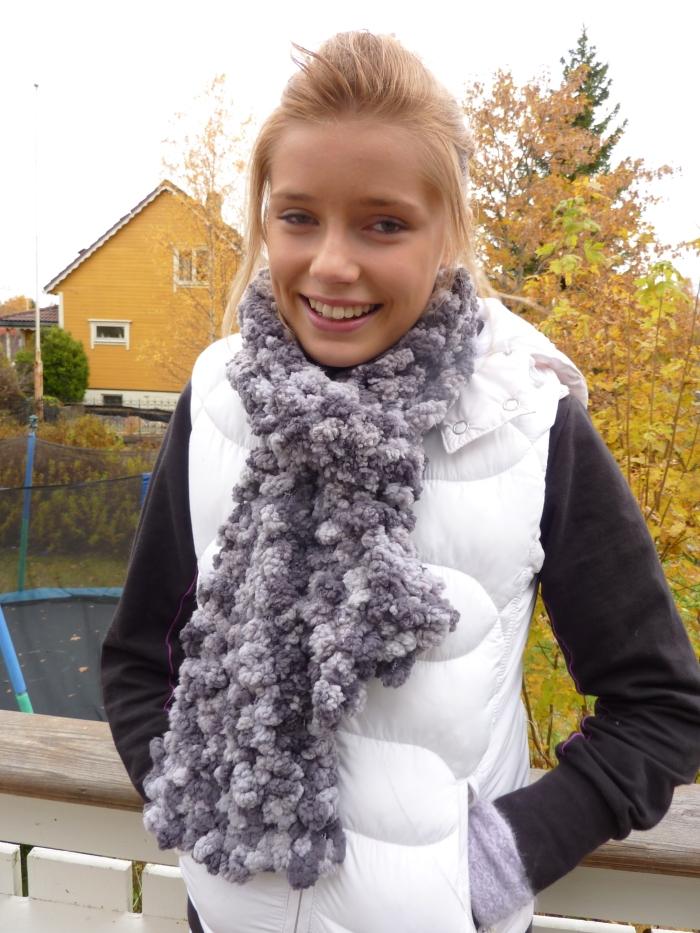 Heidi med sitt nye skjerf i EMU
